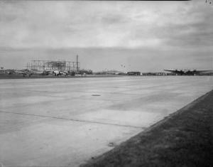 Stavanger lufthavn, Sola ble åpnet allerede i 1937 Foto: A.B. Wilse/Norsk Folkemuseum